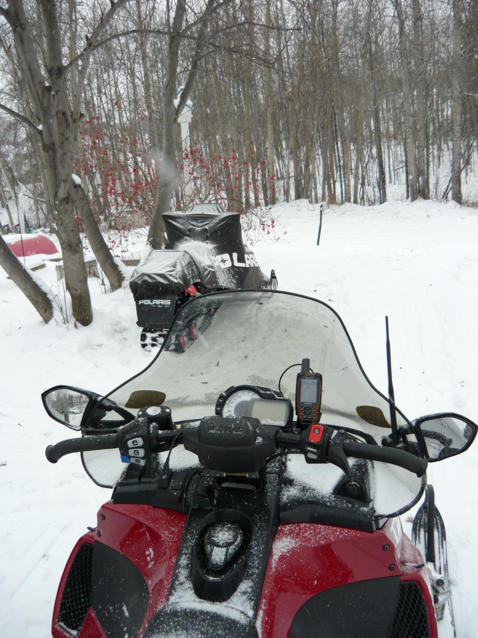 Skidoo Gps And Mount Photos Articles Garmin Battery Wiring Diagram Gpsmap 62s Mounted With Am Ram Rap B 138u Kit On My 2008 Arctic Cat Tz1 Hard Wired Directly To The This Places It A Stable Surface